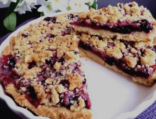 Постный черничный пирог