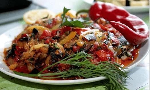 рецепт из баклажанов и помидоров в духовке