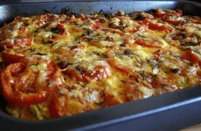 Как разнообразить запеканку из фарша и картошки в духовке Источник: http://www.svoimirykami.club/gotovim-bistro/obed/recept-kartofelnoj-zapekanki.html