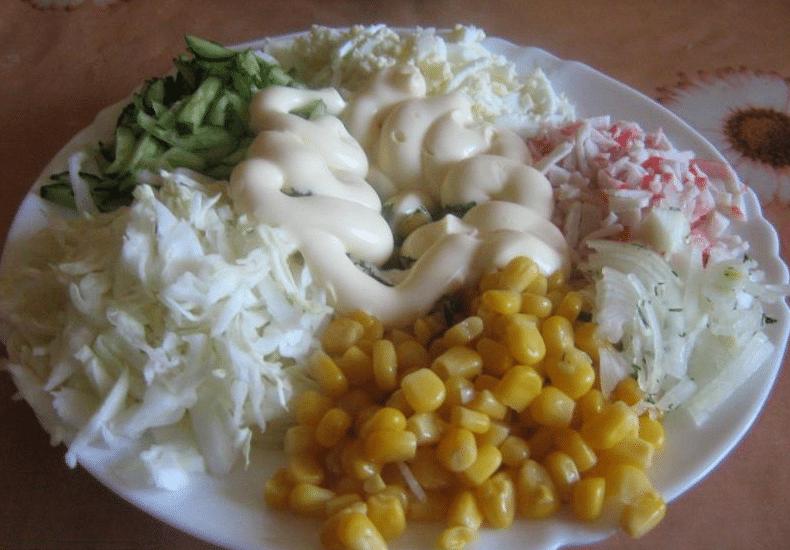 рецепт капуста с крабовыми палочками и кукурузой классический рецепт