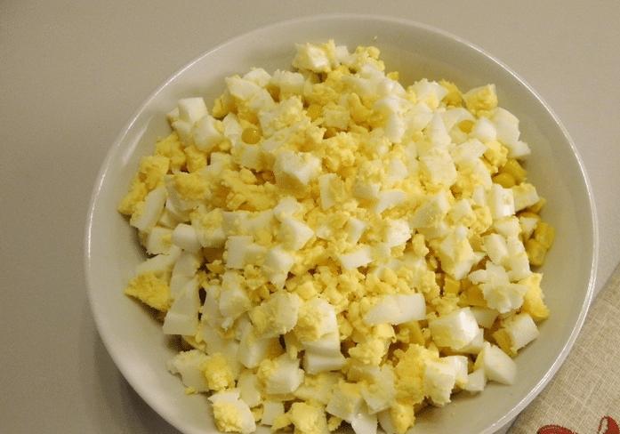 Картинки по запросу яйца меленько нарезать